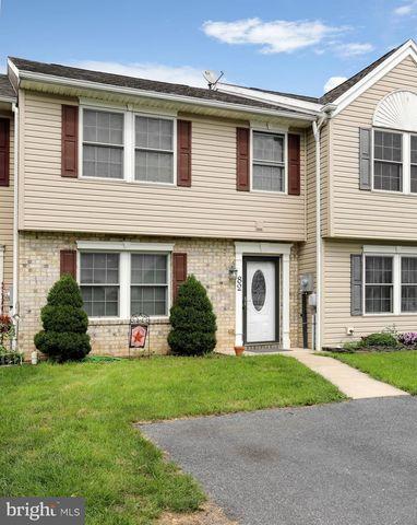 82 Grandview Xing, Chambersburg, PA 17201