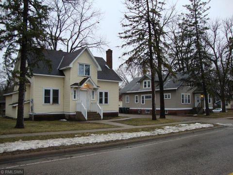 Photo of 619 Trott Ave Sw, Willmar, MN 56201