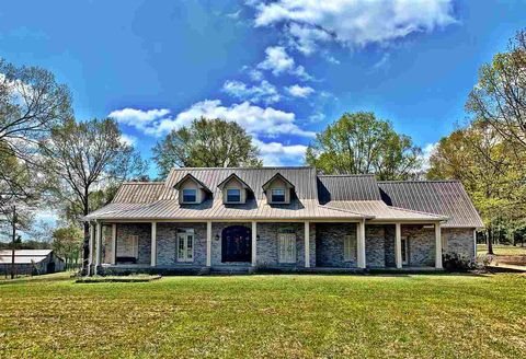 Photo of 4525 Tank Rd, Terry, MS 39170