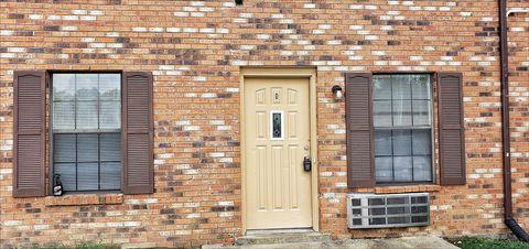 Photo of 706 Peachers Dr Apt D, Clarksville, TN 37042