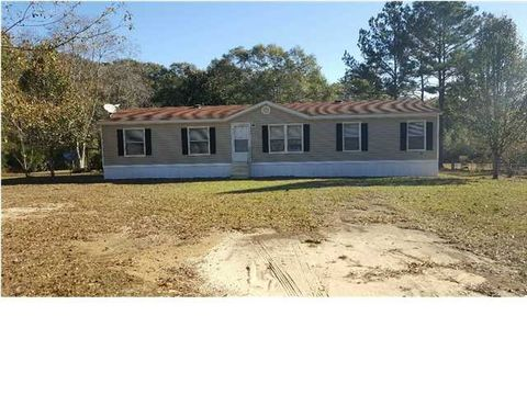 9000 Countryview Ln, Wilmer, AL 36587