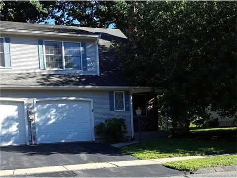 29 Waterview Dr, Windsor, CT 06095