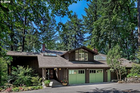 Photo of 3601 Sw 44th Ave, Portland, OR 97221