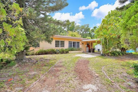 Photo Of 1080 Ne 150th St Miami Fl 33161
