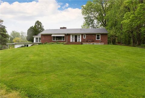 Photo of 12691 South Ave, North Lima, OH 44452