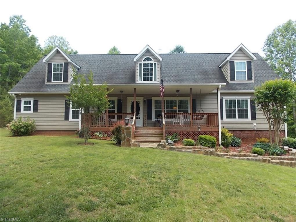 156 Naked Creek Trl Mount Airy, NC 27030