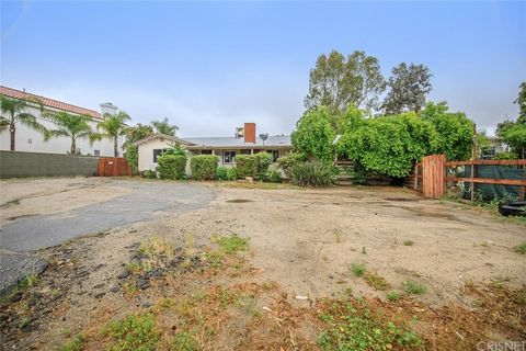 Photo of 13240 Herrick Ave, Sylmar, CA 91342