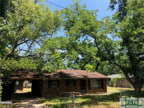 Photo of 312 Durrence St, Glennville, GA 30427