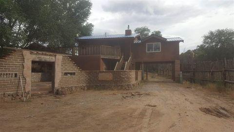 322 County Road 84, El Rancho, NM 87506