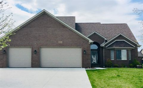 Photo of 15456 Orchard Meadows Dr, Monroe, MI 48161