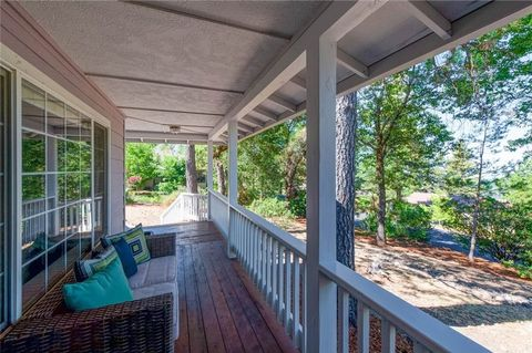 Photo of 14984 Woodland Park Dr, Forest Ranch, CA 95942