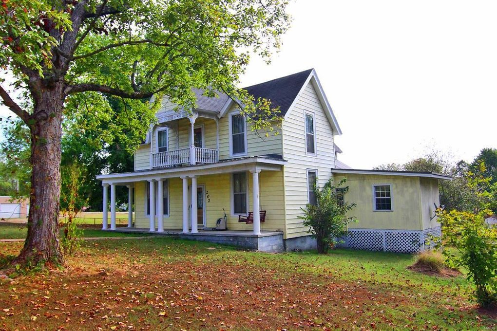 202 Pine St, Marble Hill, MO 63764