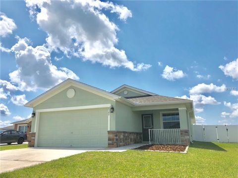 Photo of 6527 Bayston Hill Pl, Zephyrhills, FL 33541
