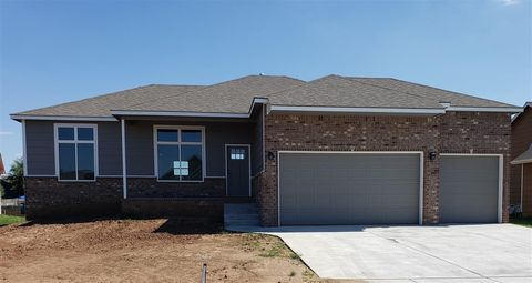 Photo of 4460 S Doris Ct, Wichita, KS 67215