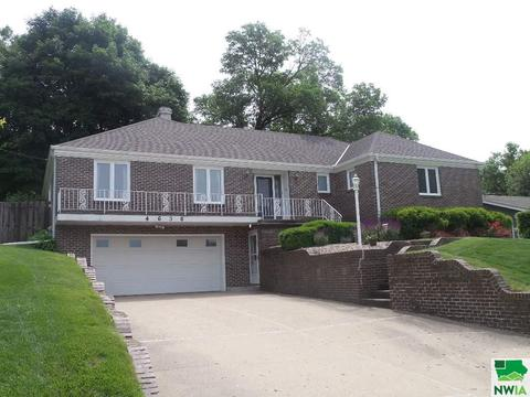 4630 Perry Way, Sioux City, IA 51104