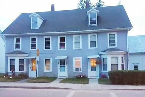47 North St, Warren, MA 01092