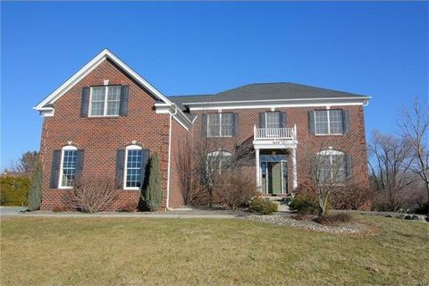 7439 Woodstone Cir, Lower Macungie Township, PA 18062