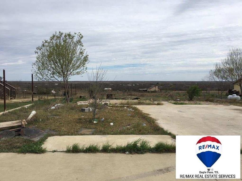 84 Park St, Eagle Pass, TX 78852