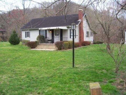 58 River Rd, Banner, KY 41603