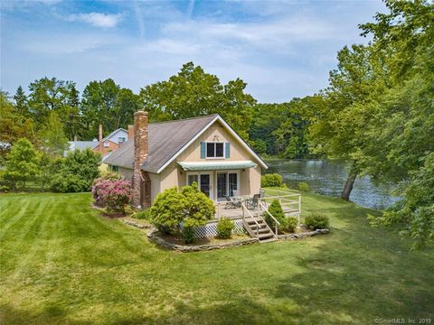 Photo of 35 Crescent Beach Dr, Enfield, CT 06082