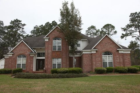Photo of 208 Lakespring Dr, Moultrie, GA 31788