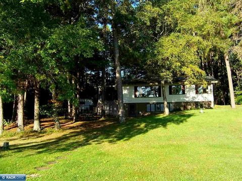Photo of 5202 Norway Dr, Gilbert, MN 55741