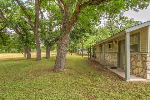 Photo of 1066 County Road 334 Unit A, Rainbow, TX 76077