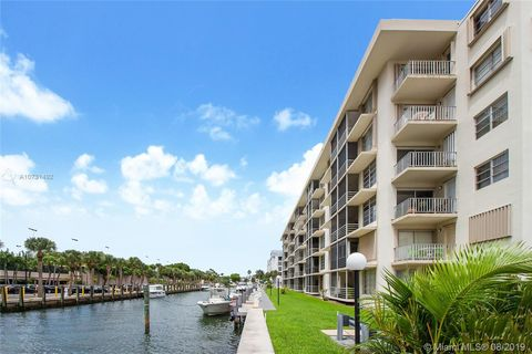 Photo of 1750 Ne 115th St Apt 301, Miami, FL 33181