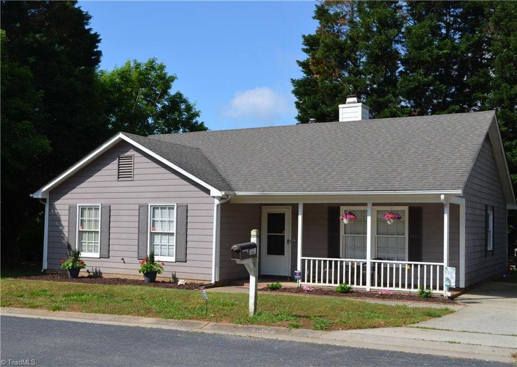 1601 Foxhall Ln, Greensboro, NC 27410