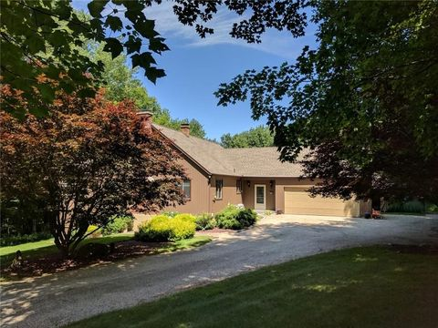 71 Richards Rd, Litchfield, CT 06759
