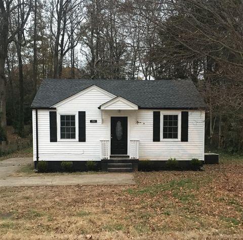 Photo of 306 Park Ln, Clarksville, TN 37042