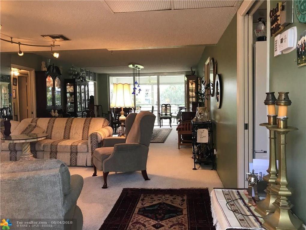 565 Oaks Ln Apt 204, Pompano Beach, FL 33069