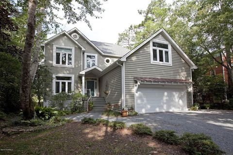 Phenomenal Waterfront Homes For Sale In Wilmington Nc Realtor Com Home Interior And Landscaping Analalmasignezvosmurscom