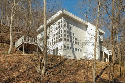 Photo of 7 Ryder Rd, Briarcliff Manor, NY 10510