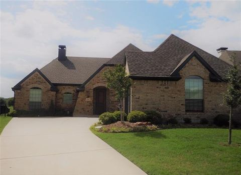 Photo of 3112 Preston Club Dr, Sherman, TX 75092