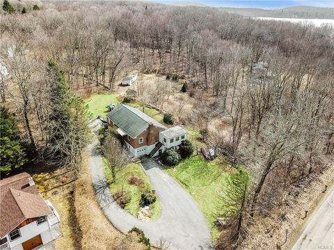 Photo of 307 White Pond Rd, Stormville, NY 12582