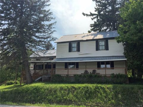 Photo of 5721 West Rd, Munnsville, NY 13409