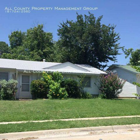 Photo of 7225 Van Natta Ln, Fort Worth, TX 76112