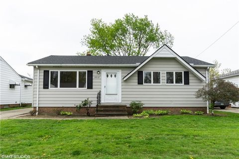 Photo of 30112 Vineyard Rd, Willowick, OH 44095
