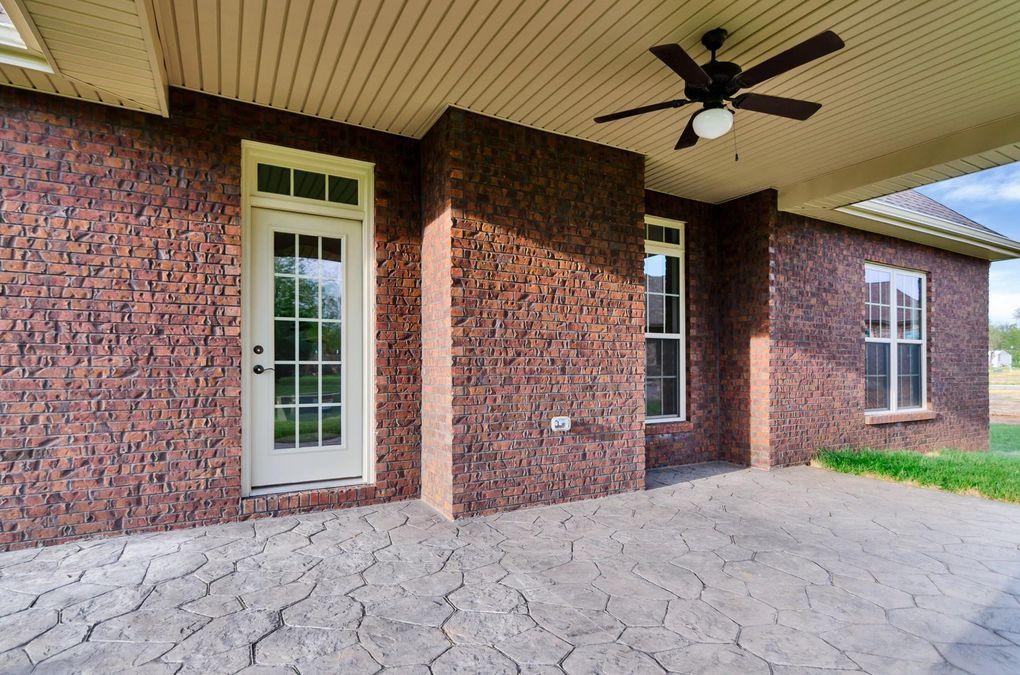 11 Savannah Gln, Clarksville, TN 37043