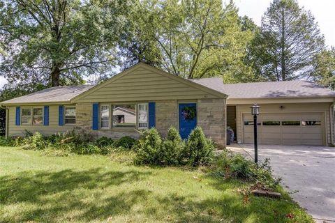 Pleasant 62 Greenridge Dr Decatur Il 62526 Home Interior And Landscaping Ponolsignezvosmurscom
