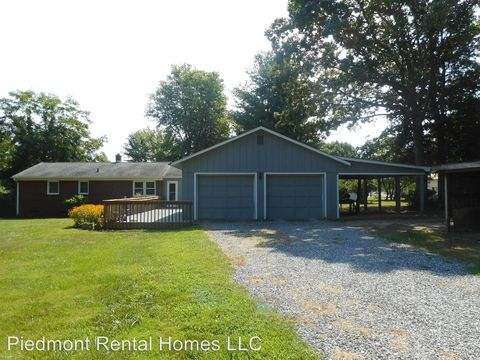 Photo of 8311 Loyola Dr, Stokesdale, NC 27357