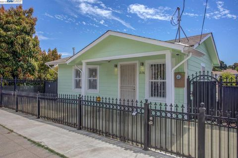 2136 13th Ave, Oakland, CA 94606