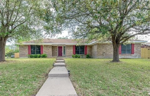 Photo of 4013 Green Valley Dr, Bryan, TX 77802