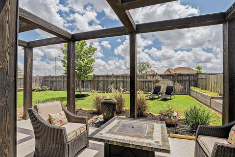 Photo of 9908 White Oak Ln, Brookshire, TX 77423
