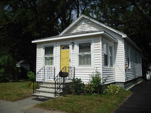 77 Cuthbert St, Scotia, NY 12302