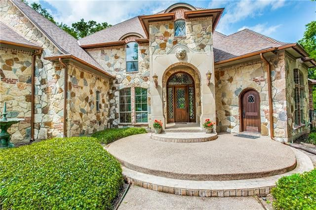 5817 Forest River Dr, Fort Worth, TX 76112
