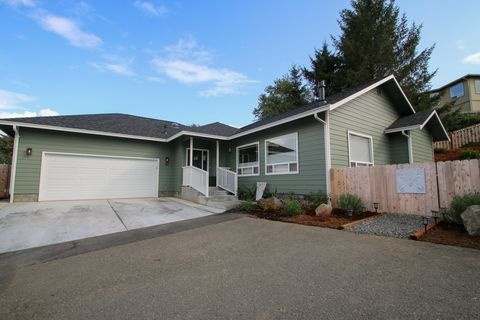 Photo of 46 Blue Spruce Dr, Humboldt Hill, CA 95503