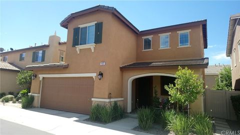 Photo of 1423 Silverberry Ln, Beaumont, CA 92223