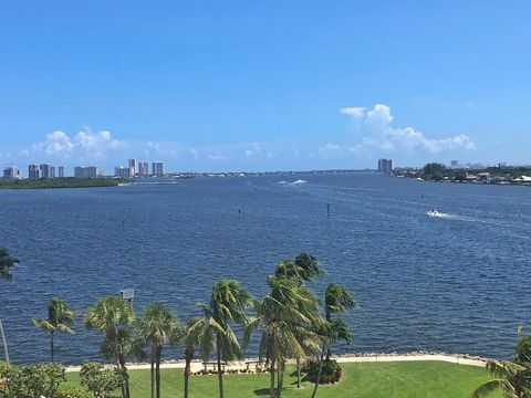 Photo of 115 Lakeshore Dr Apt 746, North Palm Beach, FL 33408